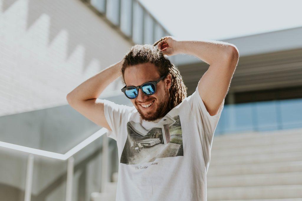 man-sunglasses-stairs