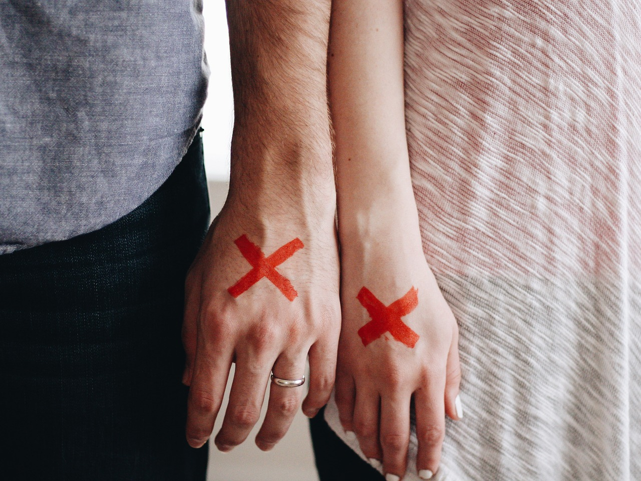 divorce-hands