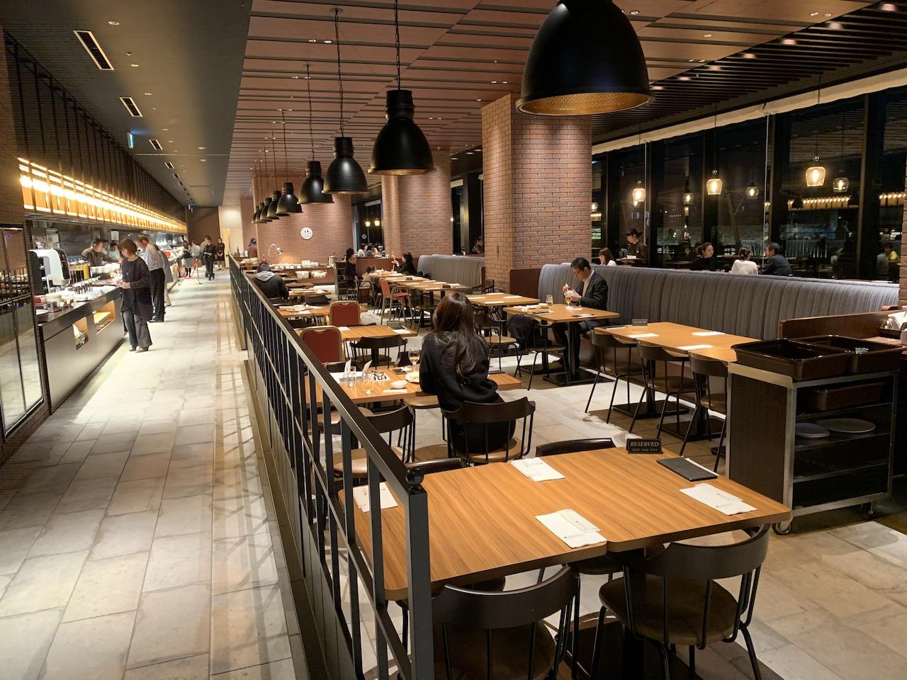 liber-hotel-usj-restaurant-brick-side-2