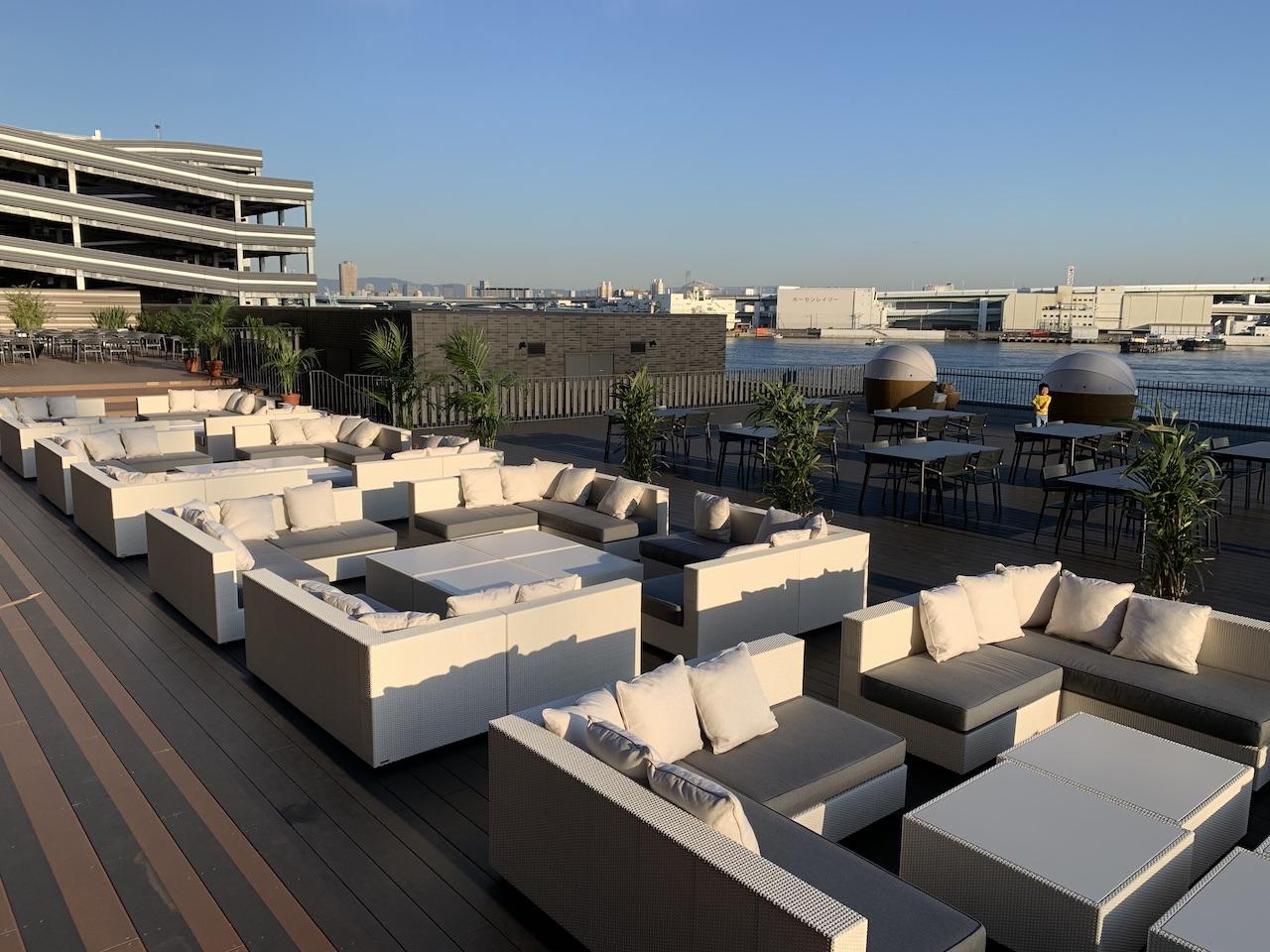 liber-hotel-usj-terrace-1