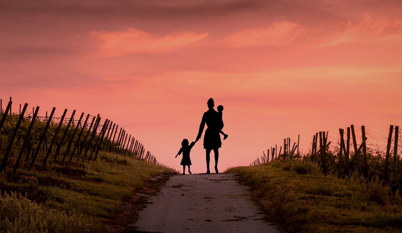 mother-children-divorce