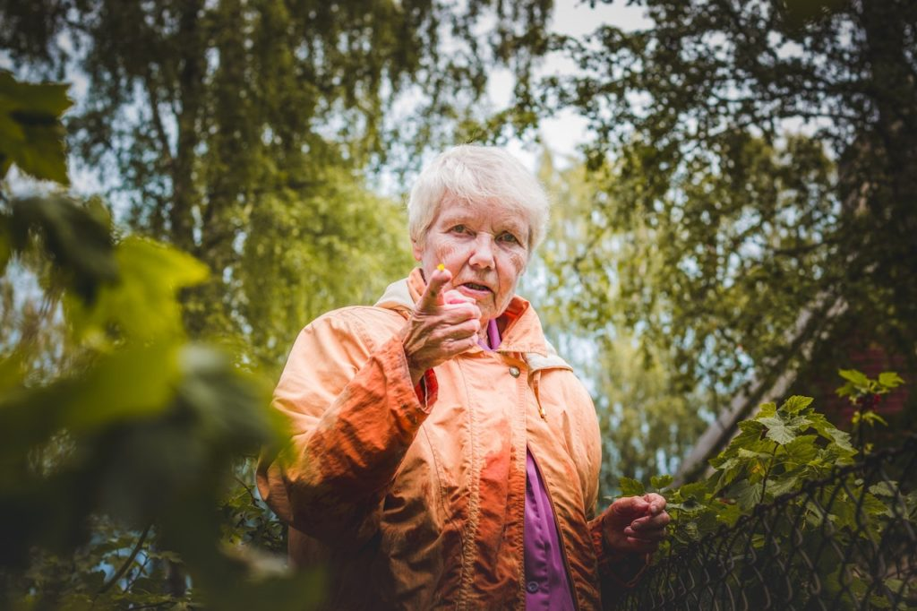 old-woman-plants