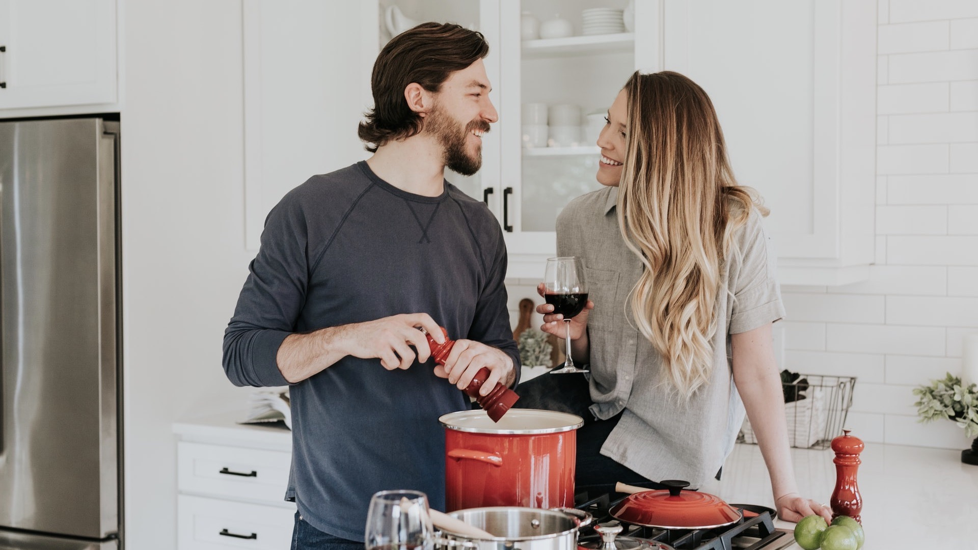 couple-cooking