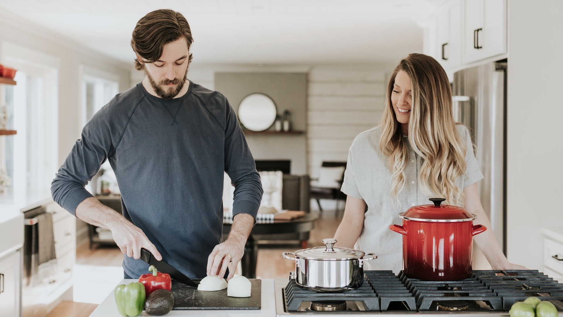 man-cooking-with-woman