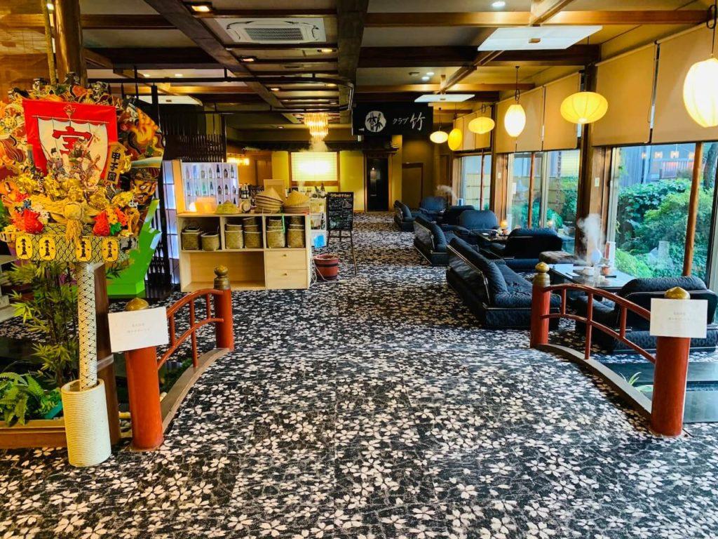 hotel-koushien-entrance-hall-1