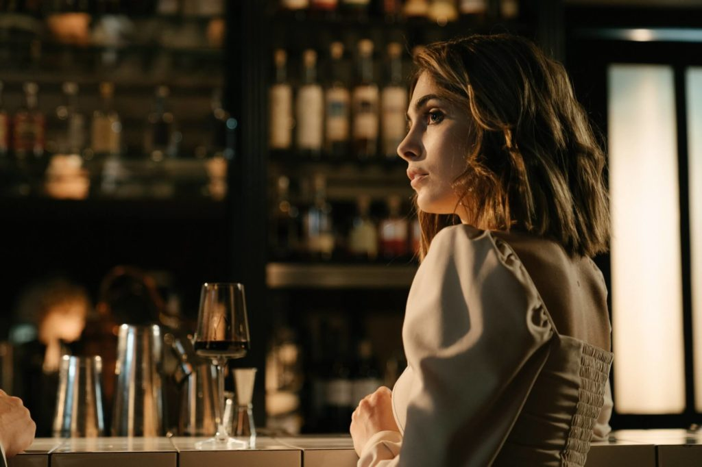 woman-in-the-bar