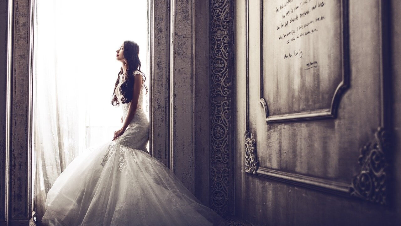 wedding-dress-woman