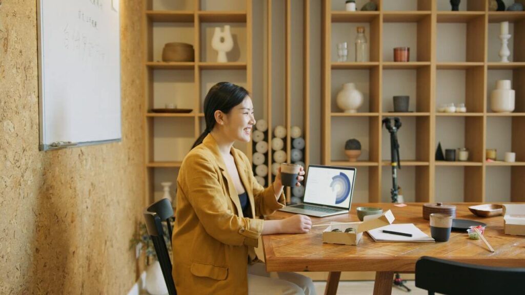 woman-working-at-the-office