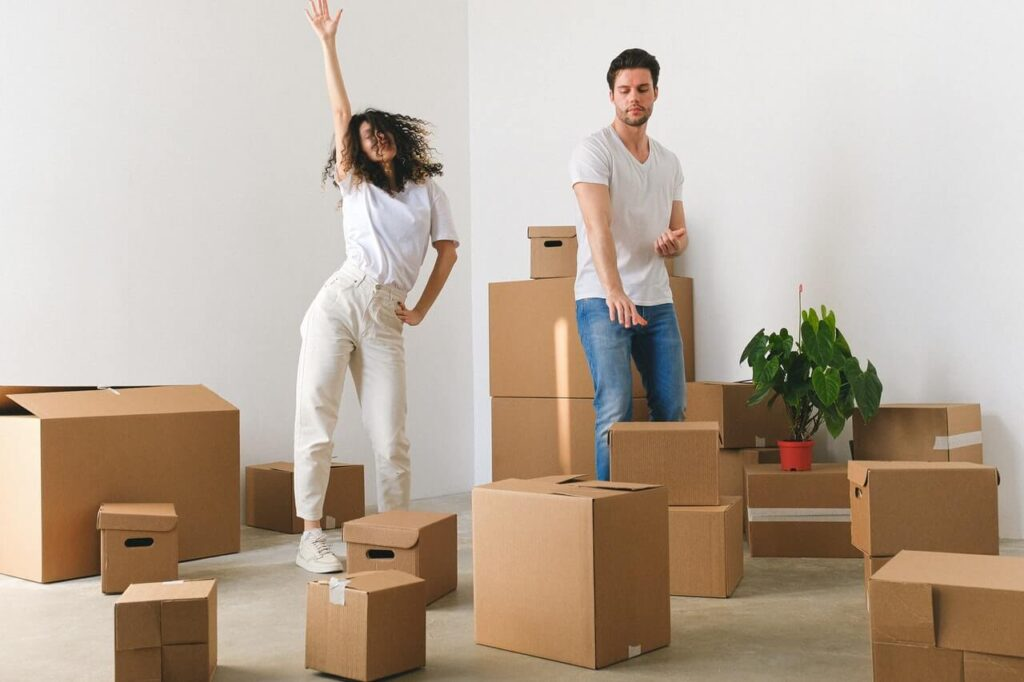 married-couple-moving